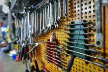 Gumiabroncs-javító és kerékkiegyensúlyozó OKJ képzés